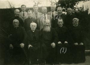 Знимка з вязніня в Кєльцях, правдоподібні 1941 р. 1. о. Йоан Поляньскій 2. о. Емілиян Венгринович 3. Методий Трохановскій