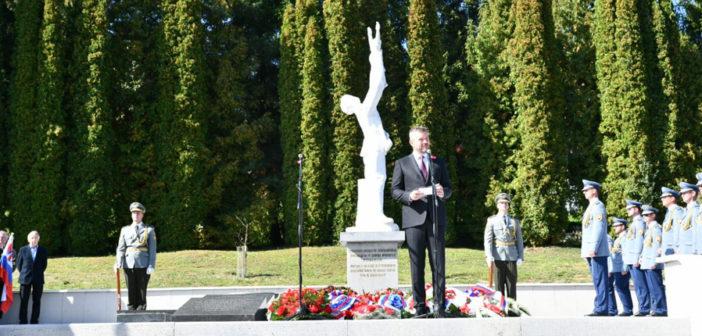 Словацькый премєр участный на 75-ій річніці освободжіня Калинова