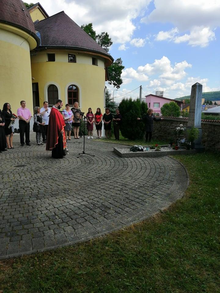День Русинів у Свіднику. Коло гробу Александра Павловіча одслужыли панахіду.